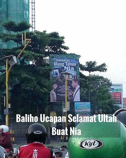 Cowok ini Bikin Heboh Warga Yogyakarta, Karena Isi Baliho yang Dipasangnya ini