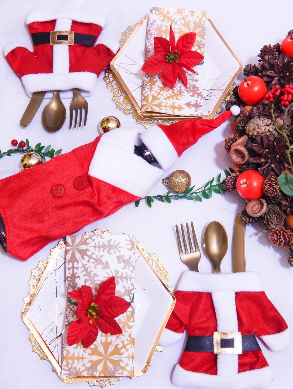 2 dekoracja świątecznego stołu jak udekorować stół na boże narodzenie dekoracja kolacja wigilijna dekoracja stroik na stół wigilijny wianek świeczka mikołajowe ubrania na butelki mikołaje na sztućce
