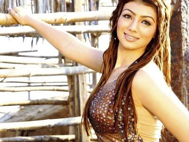 Hot And Sexy Pics Of Ayesha Takia