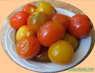 квашені помідори (через 2 місяці після заквашування)