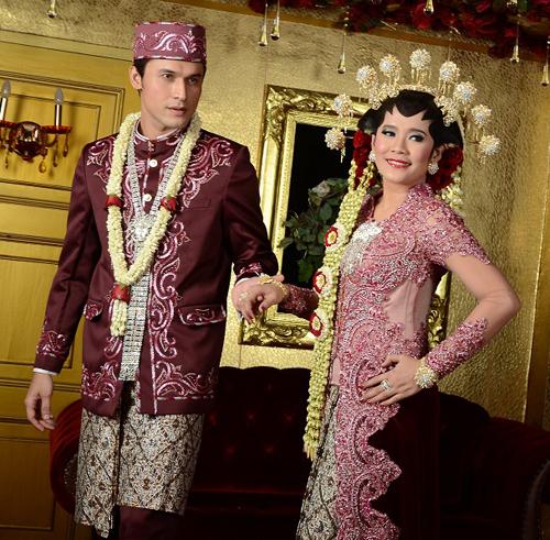 model baju resepsi pernikahan