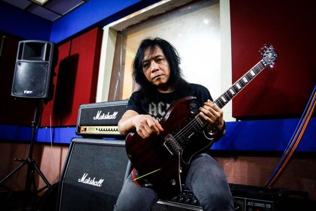 Gitaris Indonesia, gitaris hebat, gitaris terbaik, gitaris, Eet Sjahranie