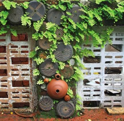 Cottage Garden Decorate Your Cottage Garden With Clay Pots
