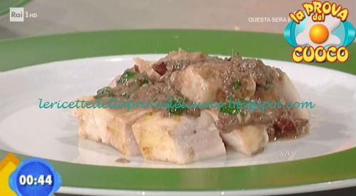 Tagliata di spada con battuto di olive ricetta Ricchebono da Prova del Cuoco