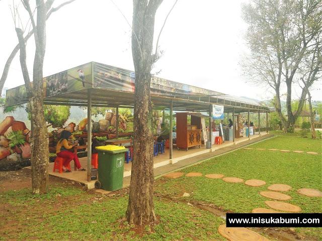 Wisata Kuliner Santasea Waterpark Sukabumi