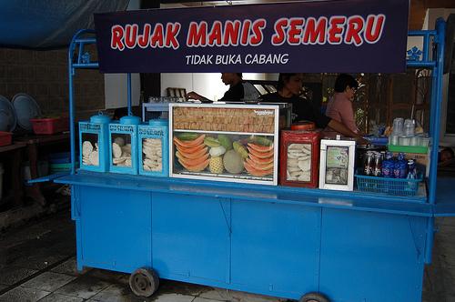Wisatadimalang; Nikmatnya Rujak Cantik Legend Di Kota Malang