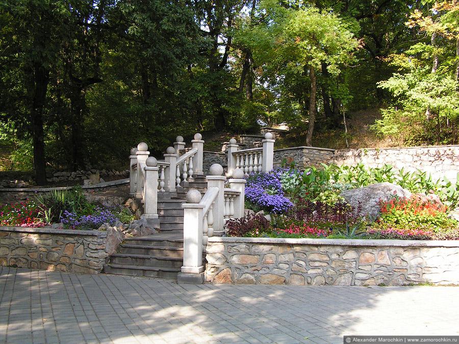 Лестничный каскад в курортном парке Железноводска