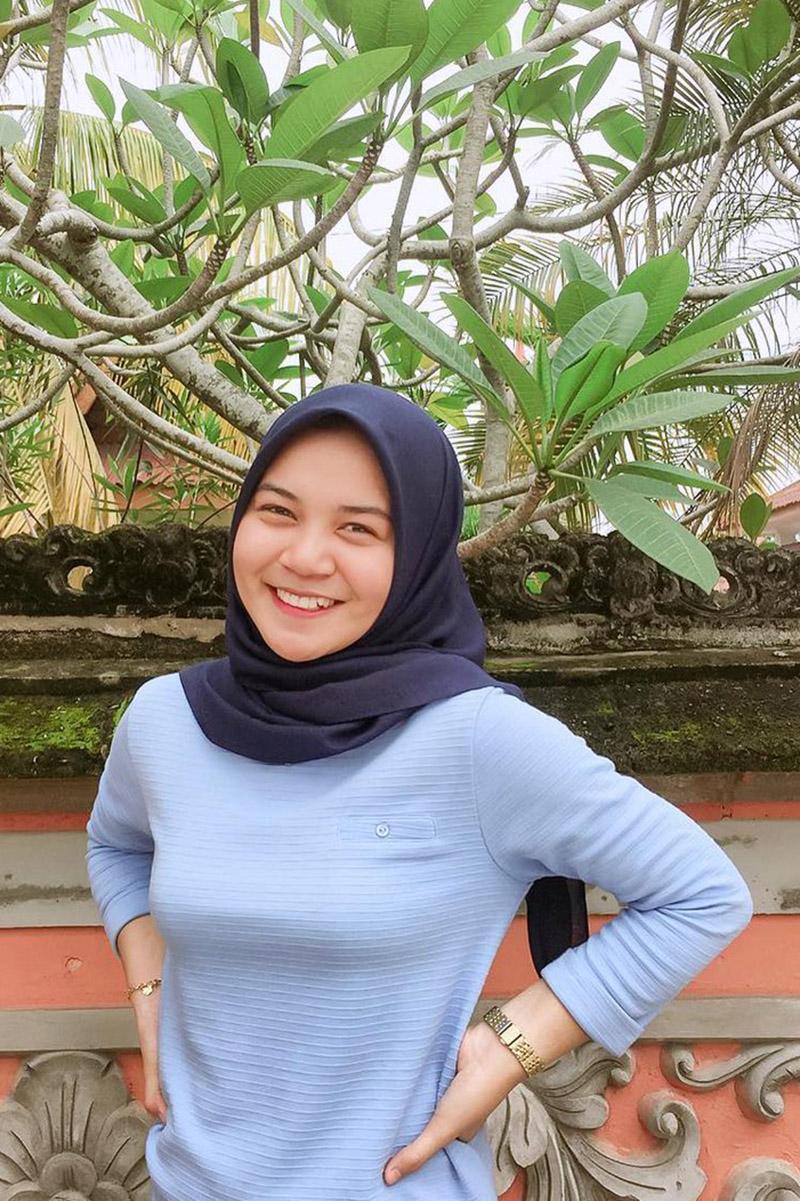 hijab online manis dan seksi nyeplak