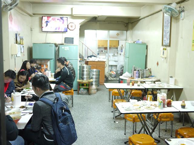 P1290396 - 台中宵夜│廣三sogo附近美食魚市米糕營業時間與相關介紹,人潮爆滿時可能要等