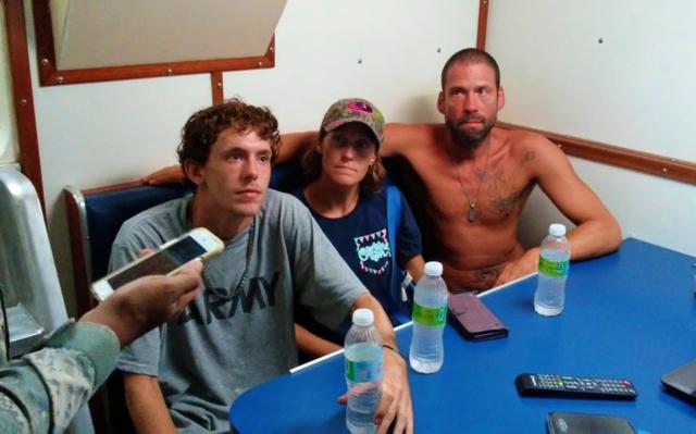 Armada Dominicana rescata a tres estadounidenses en alta mar