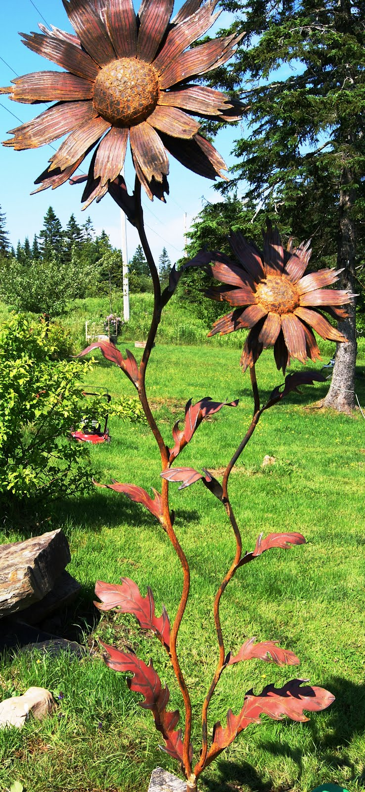 Metal Petals Garden Art: Beauty Comes In All Shapes and ...