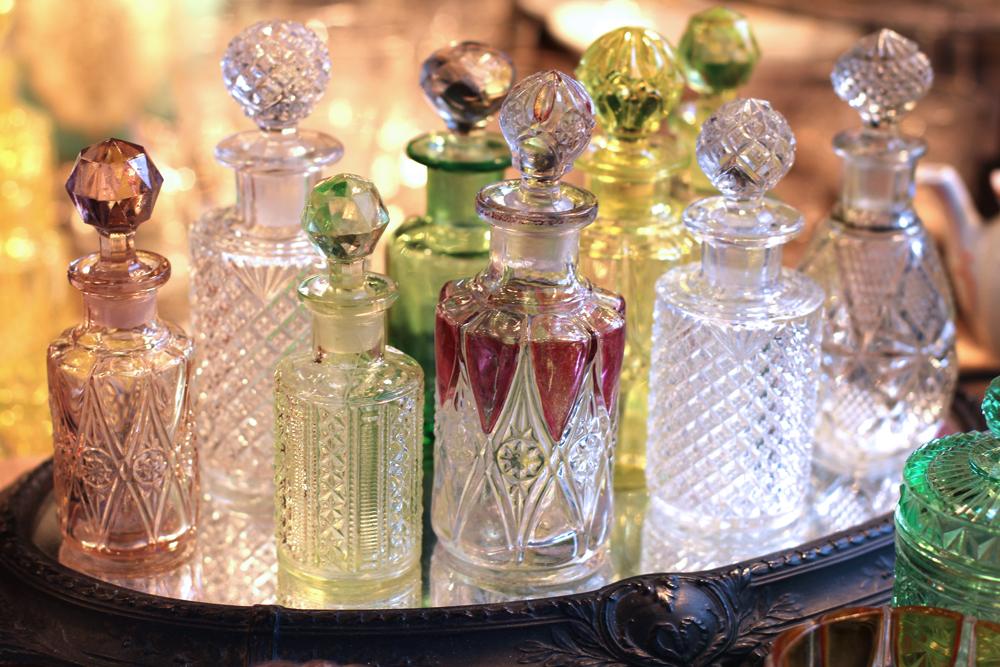 Vintage glasses at Cologne Christmas market - travel & lifestyle blog