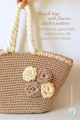 Bolsa de croche de barbante na cor cru com flores de croche passo a passo aplicadas