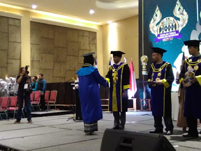 Liputan wisuda sarjana STT Bandung