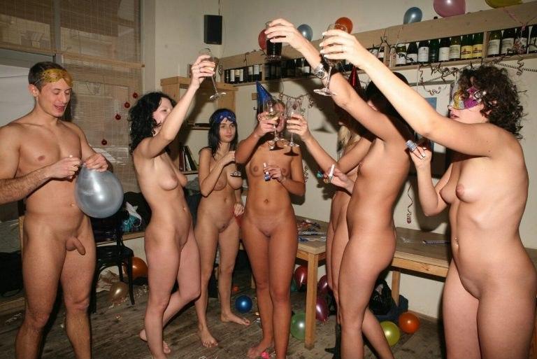 Nude Girls In Dorm