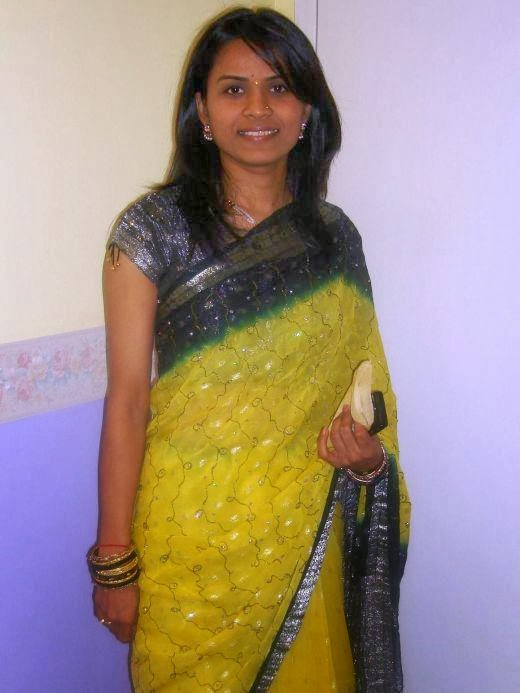 31 Indian Housewifes And Girls In Saree Pictures Gallery -3654