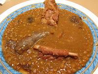 Lentejas estofadas con carne y setas