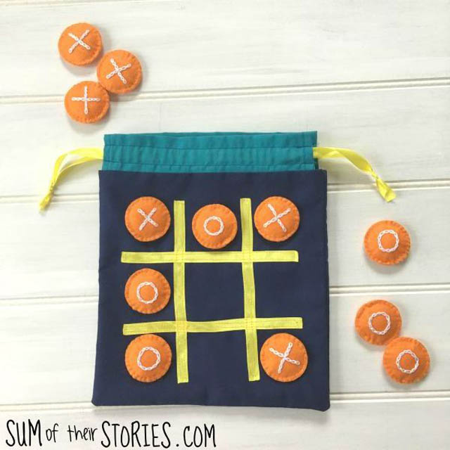 Learn how to make a noughts & crosses travel game - tic tac toe - in a drawstring bag. Tutorial by Sum of their Stories