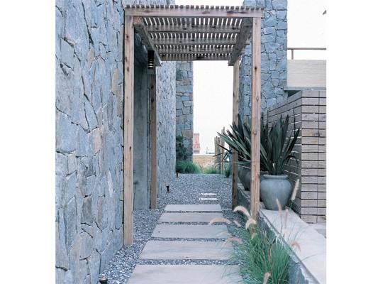 Decorar jardines tres consejos pergolas sevilla - Pergolas de madera en sevilla ...