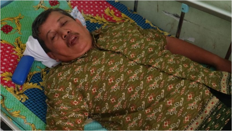 Dasrul (53), guru SMKN 2 Makassar sedang dirawat di RS Bhayangkara