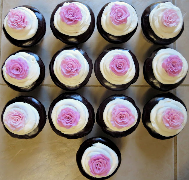 Fondant Rose Cupcakes - Overhead View