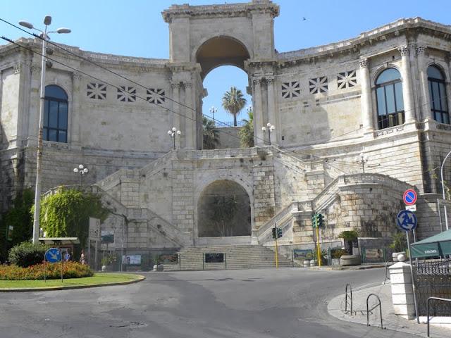 Bastión de Saint Remy en Cagliari - Cerdeña - que visitar