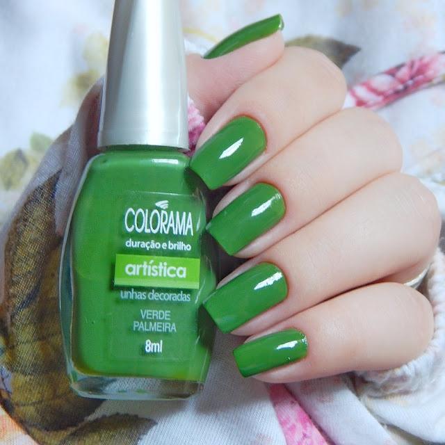 esmalte-verde-nas-unhas