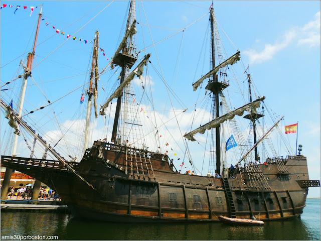 Fan Pier en el Puerto de Boston: El Galeón Andalucía