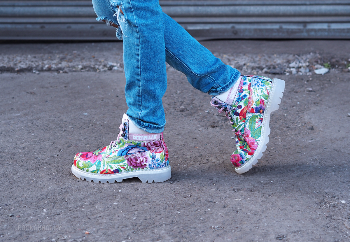 Cat Colorado Flowers Boots on the Rock On Holly Fashion Blog