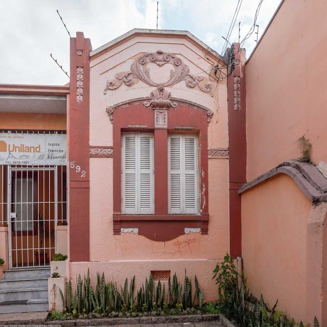 casa na Rua Alferes Poli - detlahes