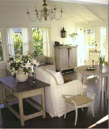 Distressed Farmhouse Living Room: Giovana Hotta Giordani Design De Interiores Pintura