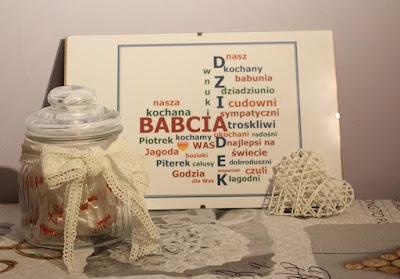 słoik dekoracyjny z cukierkami, spersonalizowane serce, prezent na Dzień Babci i Dzień Dziadka