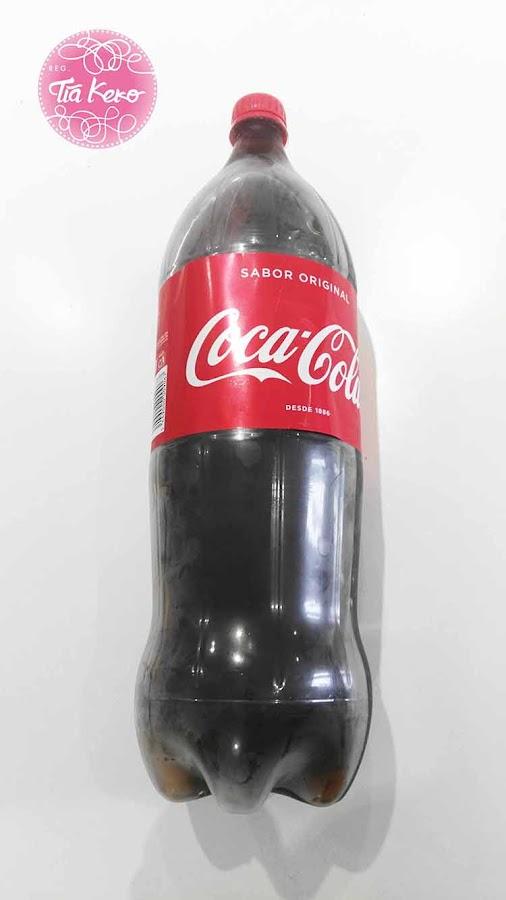 monstruo-con-botella-de-coca-cola
