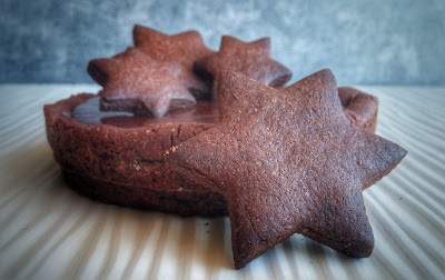 crostata al cacao con ganache di cioccolato fondente