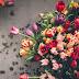 Квіти треба обрізати у вазі з водою...