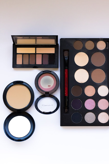 How to pack your make up without it breaking during your trip
