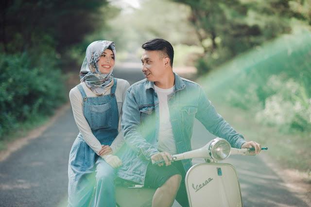 Foto Prewedding Jogja, Foto Prewedding Yogyakarta, Foto Preweedding, Prewedding Jogja, Prewedding Murah Jogja, Freelance Prewedding Jogja, Prewedding Gumuk Pasir, Contoh Foto Landasan Pacu Jogja,