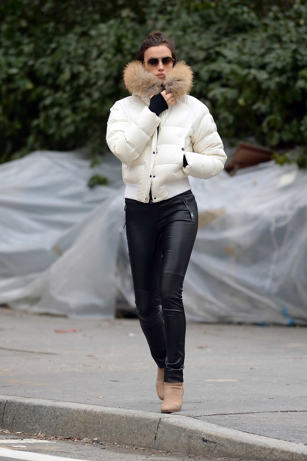 Lovely Ladies In Leather Irina Shayk In Leather Pants