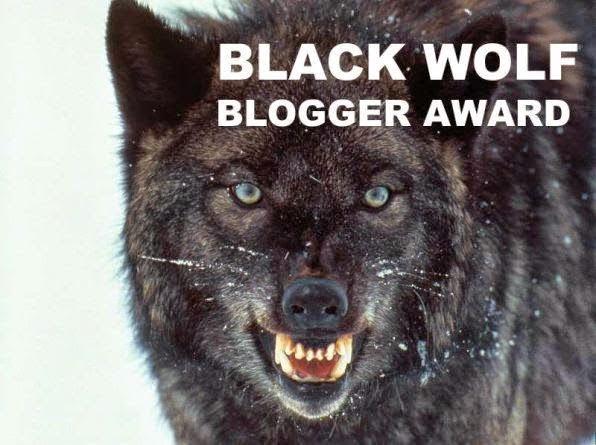 Foto del lobo de los Black Wolf Blogger Award
