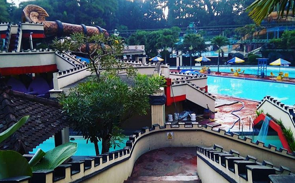 Wisata keluarga dan anak di Bandung Karang setra waterpark