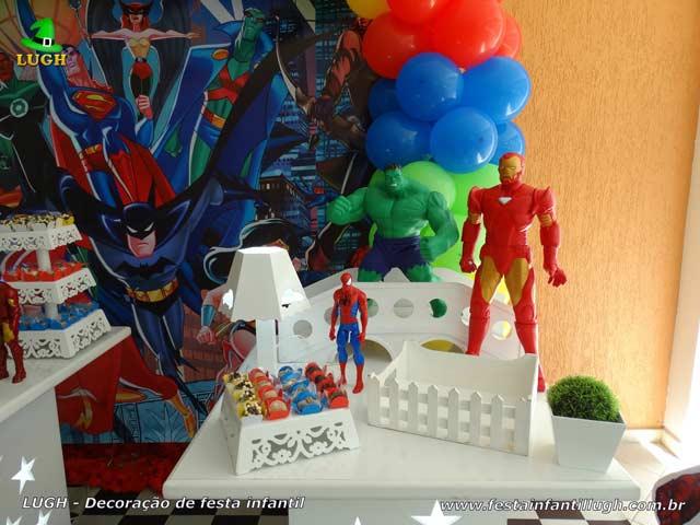 Decoração mesa de aniversário tema dos Super Heróis - Festa infantil