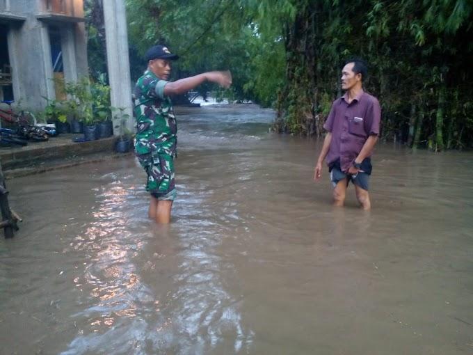 Hujan Lebat Akibatkan Banjir Di Syiar Rembang