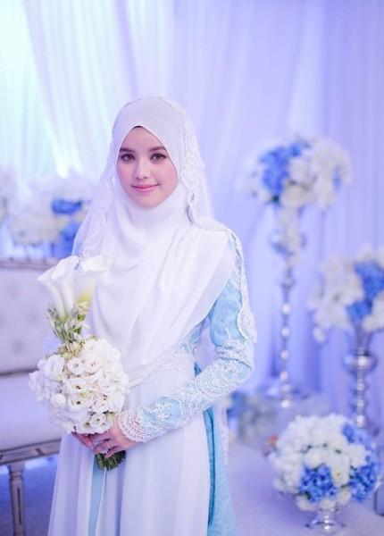 gaun pengantin syar'i sederhana