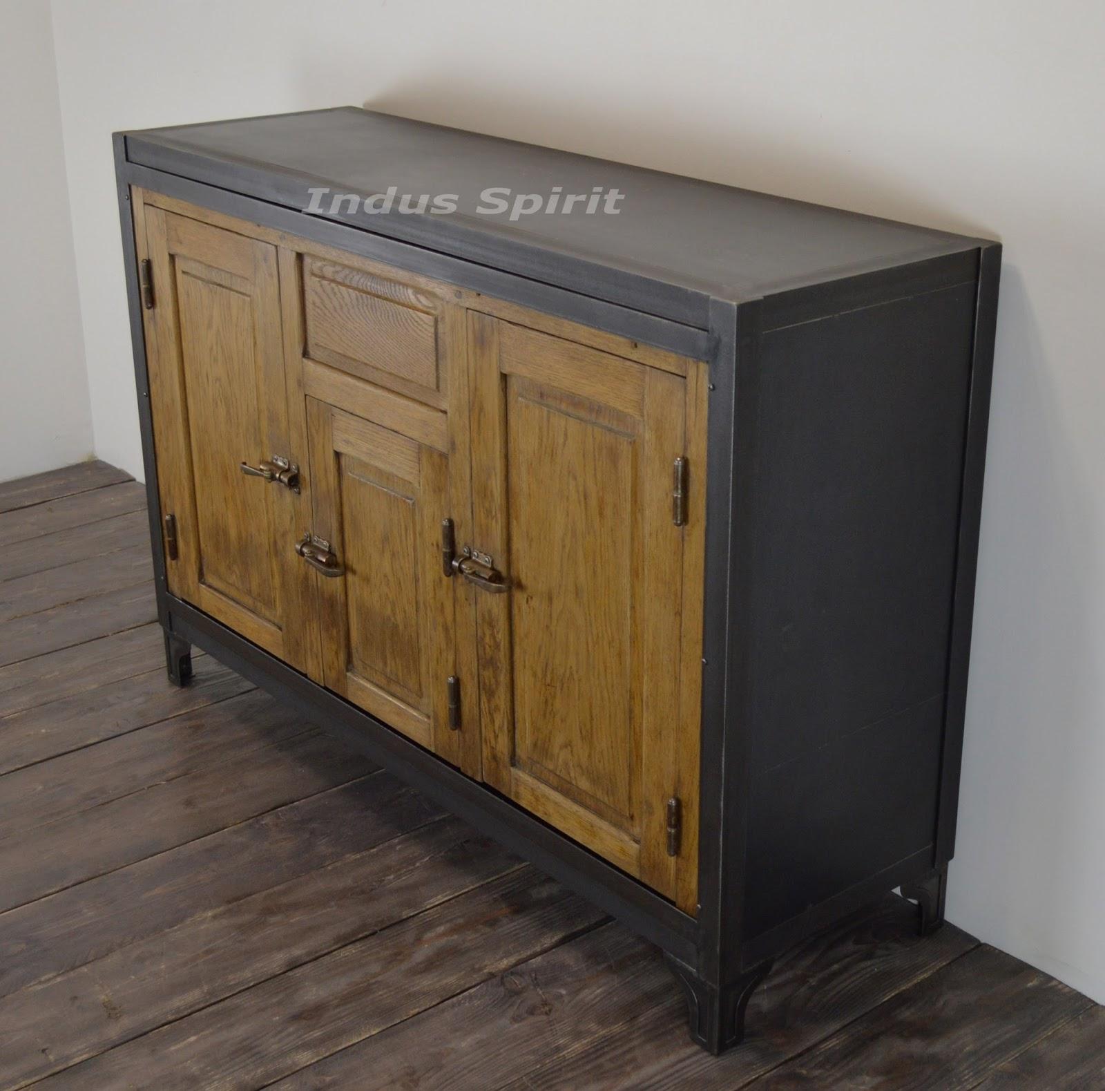 buffet vintage m tal et bois. Black Bedroom Furniture Sets. Home Design Ideas