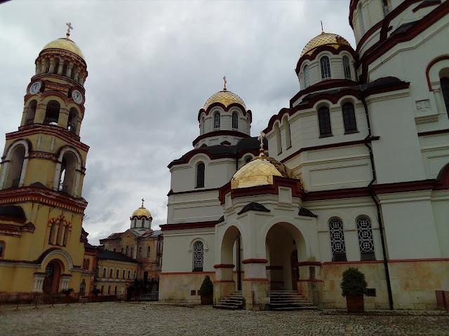 Los monasterios e iglesias de Abjasia son impresionantes