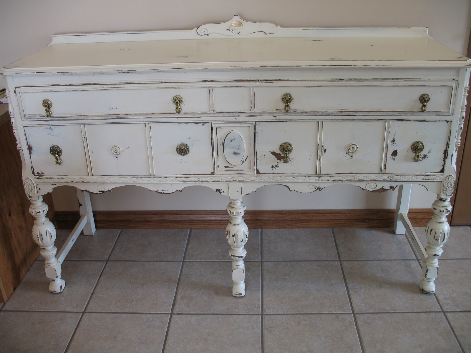 shabby and chic buffet sideboard table. Black Bedroom Furniture Sets. Home Design Ideas