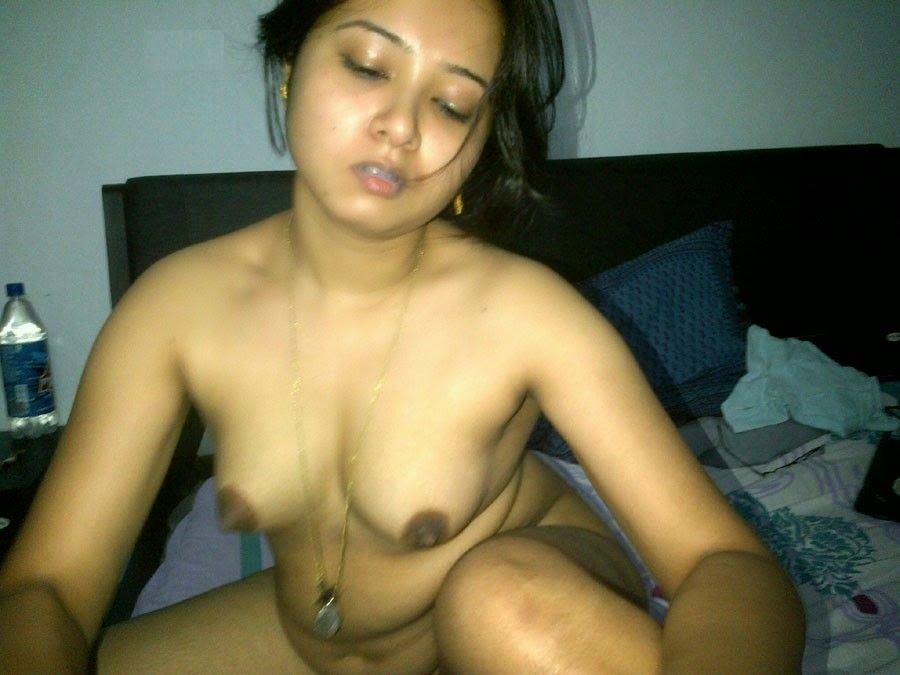 Full nude naked tits Kerala bhabhi housewife xvideos