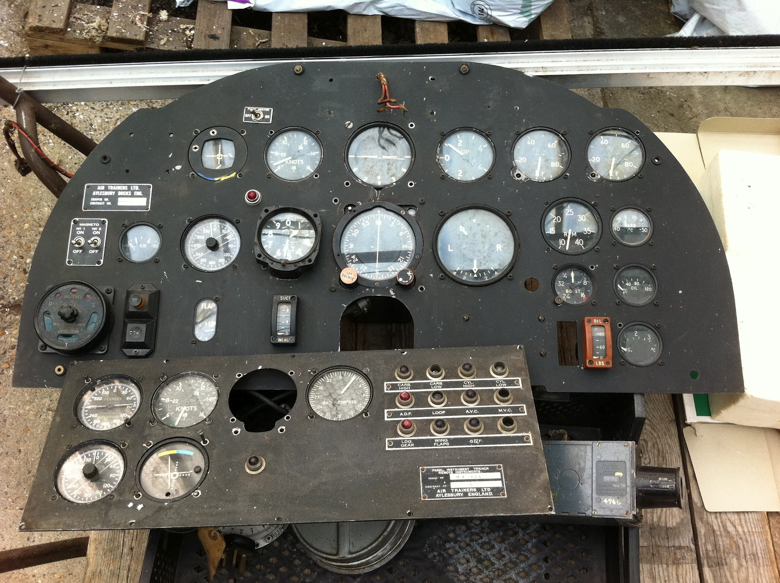 BelgianAviationNews: For Sale : intrument panel