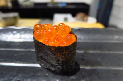 Ryo Sushi, ikura gunkan