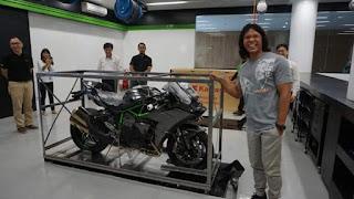 Pria Ini Pertama & Satu-satunya Pemilik H2 Carbon Kawasaki Di Indonesia
